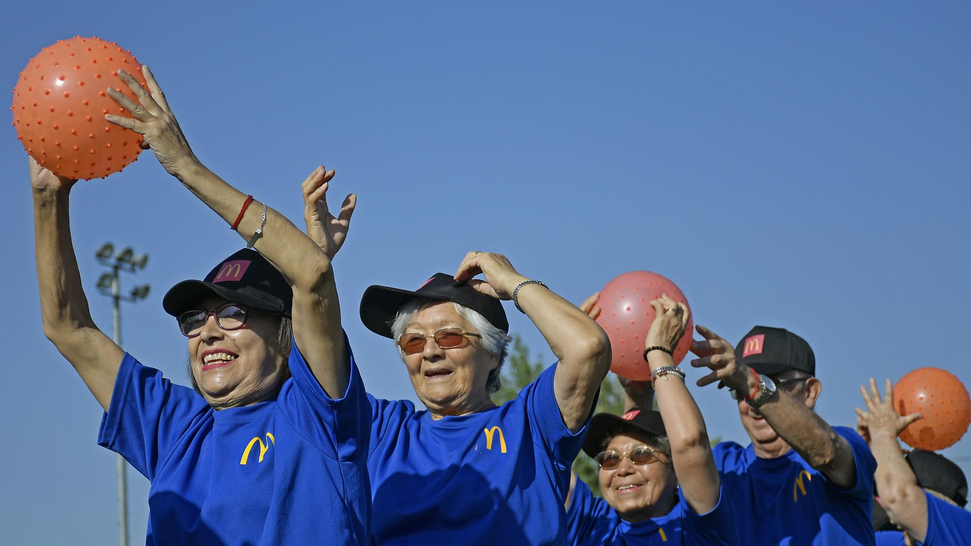 [Chile] Adultos Mayores se mantienen activos gracias a talleres deportivos a distancia