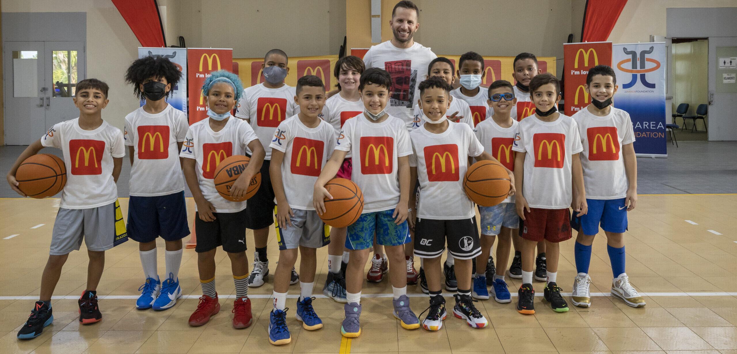 [Puerto Rico] McDonald's se une a JJ Barea Foundation para apoyar el deporte infantil