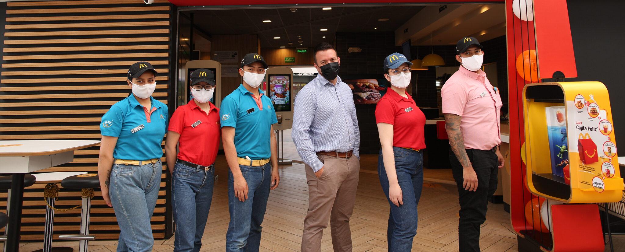 [Colombia] McDonald's Colombia busca jóvenes apasionados por el café para trabajar en sus McCafé.